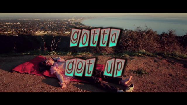 Video: Asher Roth ft. D.A. (from Chester French) – Gotta Get Up