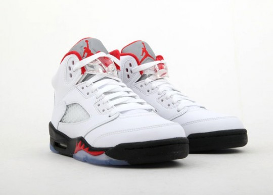 air-jordan-5-gs-White-Fire-Red-Black-04-540x387