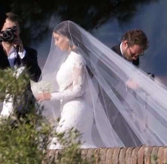 kim-kardashian-kanye-west-wedding-fashion-bomb-daily-2014