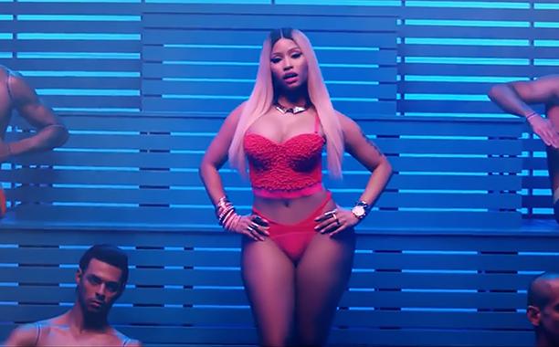 Ariana Grande - Side To Side ft. Nicki Minaj (screengrab)