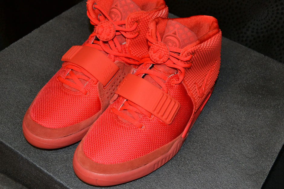 cd9c40e16 L.A. Sneakers – Yeezy II Red October